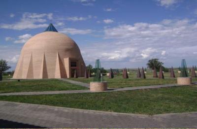 «Шлем батыра с щитом и мечом» — уникальный архитектурный облик мавзолея Кобланды батыра