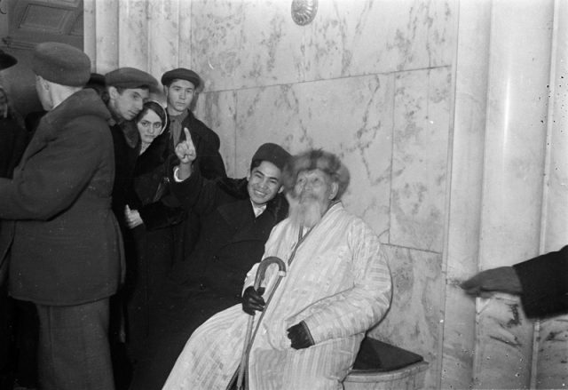 Редкие фотографии Жамбыла Жабаева в Москве 1938 — 1939 гг.